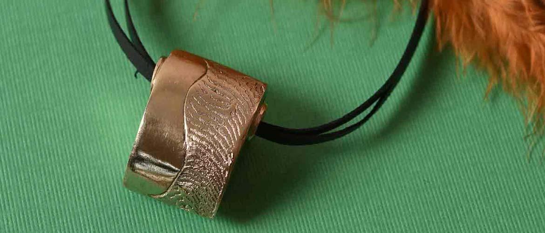 Perlenanhänger aus Prommetheus Jeweller's Bronze